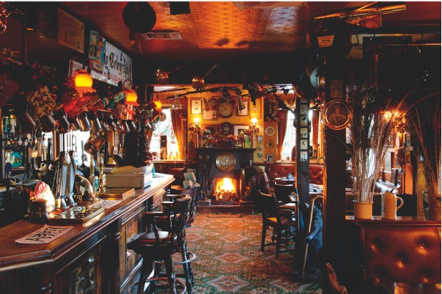 Pub in winter with fire ©Alamy
