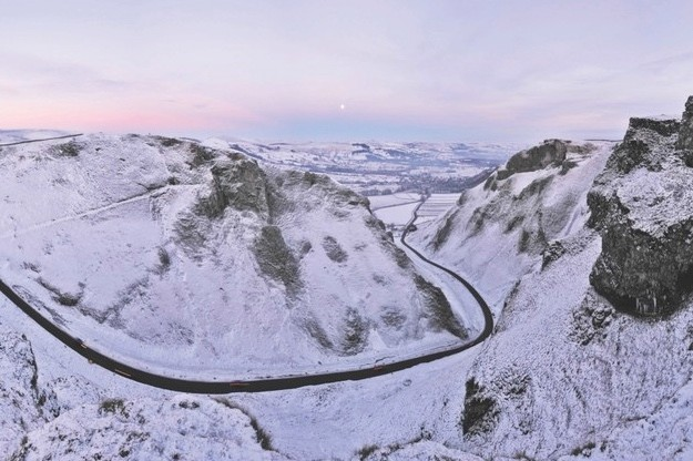 Winnats Pass, Derbyshire