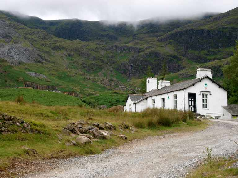 Best rural youth hostels in the UK
