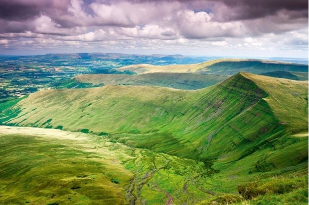 Cribyn, at 795m, sits 101m below the tallest peak in southern Britain, Pen y Fan. But far from inferior, the angular mount affords spectacular views over the surrounding countryside, making it well worth the climb