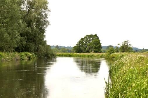 avon valley river bank hampshire