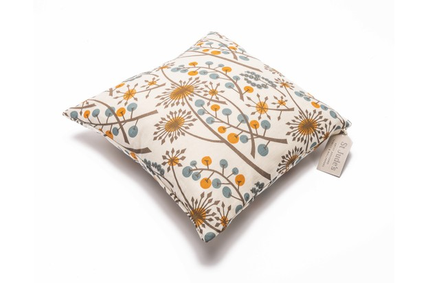 Angie_Lewin_Hedgerow_Cushion_cover-343bb30