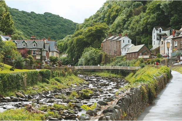 The town of Lynmouth surrounds the confluence between the West Lyn and East Lyn rivers