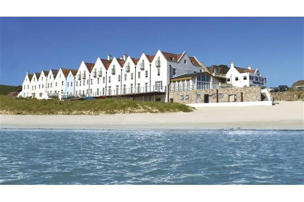 Braye-Beach-Hotel-aded30c
