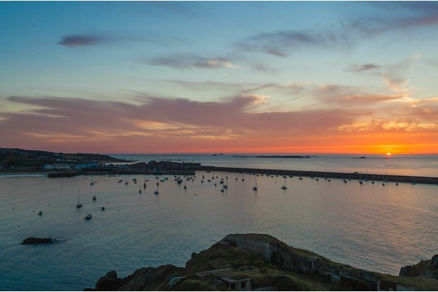 Braye_Harbour_Alderney_0-e8d9bba