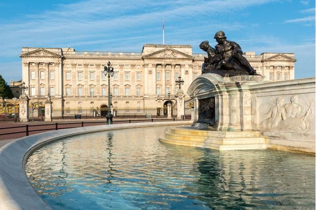 Buckingham-Palace-03fb54a