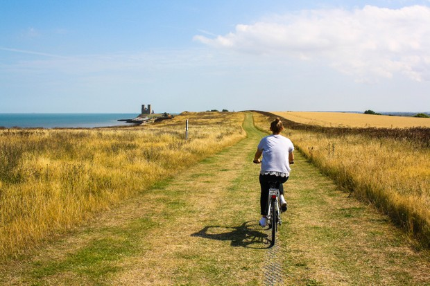 Cycling-autumn-coastal-path-59cf84f