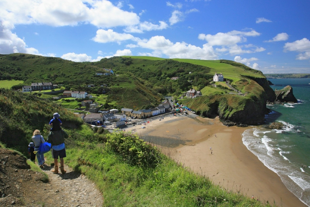 Gellideg-Wales.-Explore-the-fantastic-coast-path-Llangrannog-1-6f79073