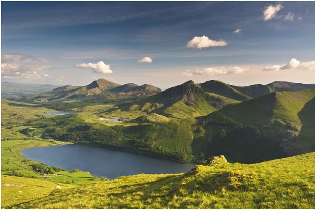 Ellyn Cwellyn and Mynydd Mawr in north-west Snowdonia