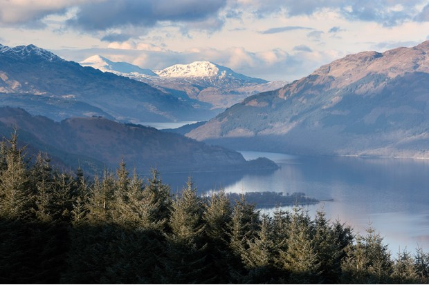 An evening view north up Loch Lomond from Beinn Dubh.