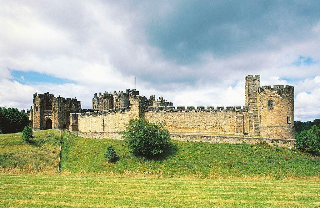 UNITED KINGDOM - APRIL 08: Alnwick castle, England, United Kingdom. (Photo by DeAgostini/Getty Images)