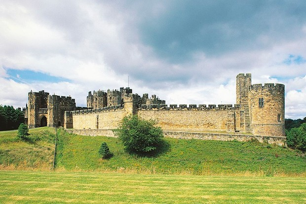 UNITED KINGDOM - APRIL 08: Alnwick castle, England, United Kingdom. (Photo by DeAgostini/Getty Images)