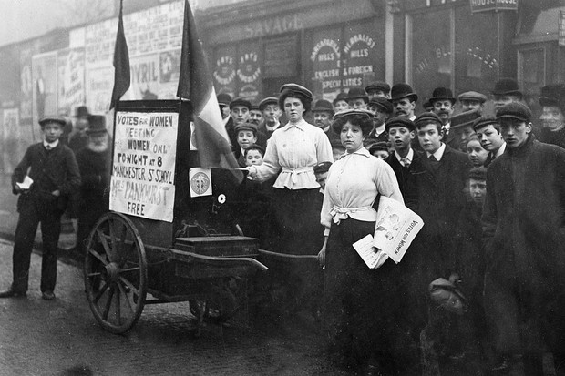(GERMANY OUT) Great Britain England Manchester: Women's rights activists Suffragetes demonstrating for women's suffrage - 1910 - Photographer: Philipp Kester - Vintage property of ullstein bild  (Photo by Philipp Kester/ullstein bild via Getty Images)