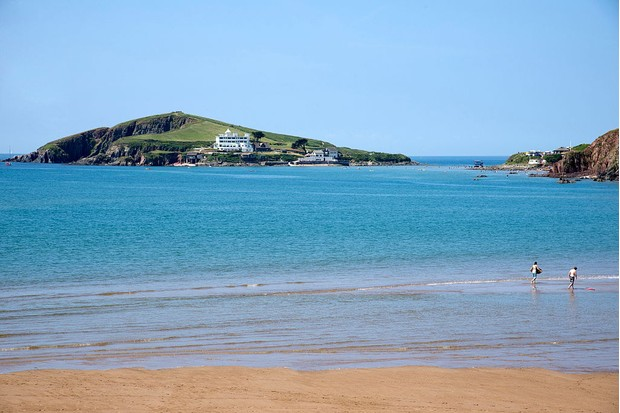 Bantham Beach looking towards Burgh Island and Bigbury on Sea South Devon England UK. (Photo by: Education Images/UIG via Getty Images)