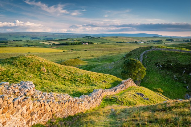 Hadrian's Wall above Steel Rigg