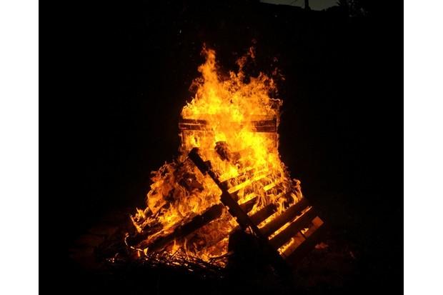Getty_Bonfire-9f5ef14