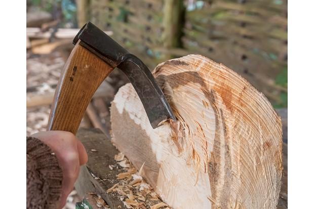 Greenwood_woodland_craft_hollow_seat_adze_tool-f1140c8