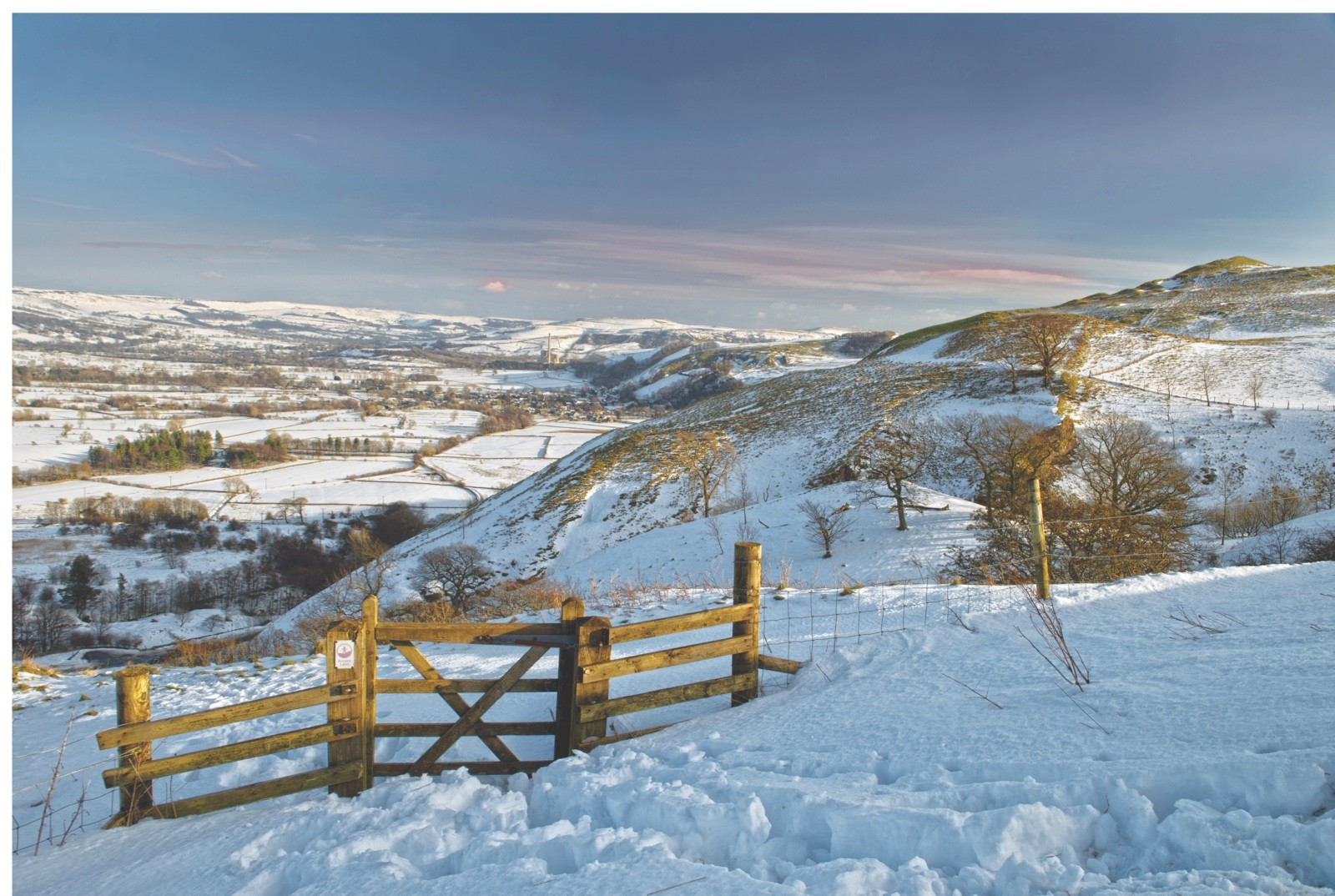 EG05EA Landscape of  Castleton and  The Hope Valley in snow, taken at Blue John Cavern in The Peak District National Park, England. Uk