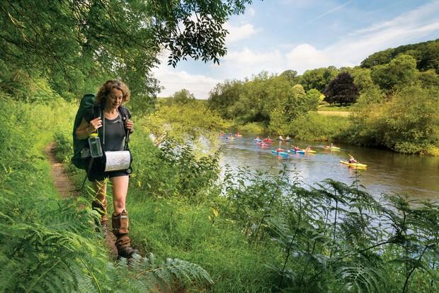 Kate-Humble-walking-by-River-Wye_0-91b860d