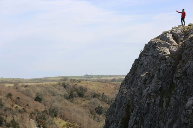 Kenton-Cool-at-the-top-of-Cheddar-Gorge-raising-a-glass-of-Trivento-to-his-top-10-UK-micro-adventures5B35D5B15D-cfdad64