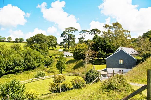 Kernock-Cottages2C-peaceful-rural-setting-2da3052