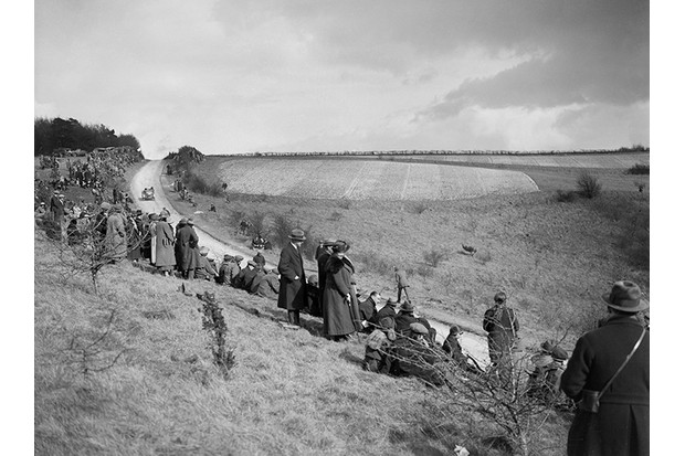 Essex Motor Club Kop Hillclimb, Buckinghamshire, 1922. Place: Essex M.C. Kop Hillclimb. Date: 25.3.22. Artist Bill Brunell. (Photo by National Motor Museum/Heritage Images/Getty Images)