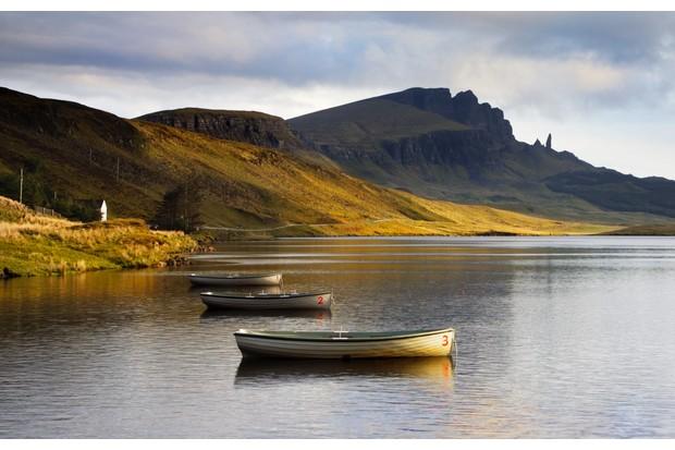 Loch Leathan lake, Scotland