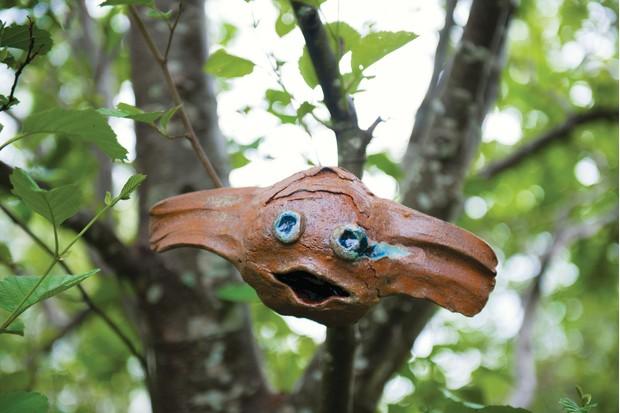 Lotte-Glob-scuplture-in-tree-4d98074