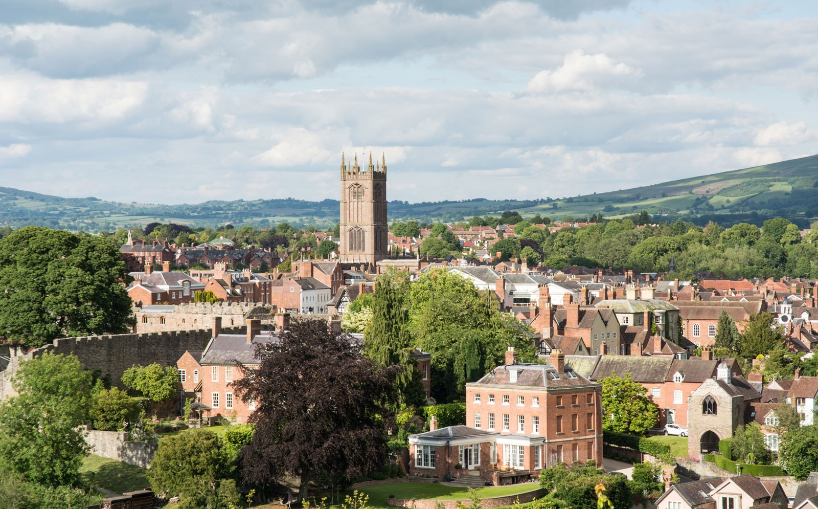 Ludlow-Shropshire-d076338