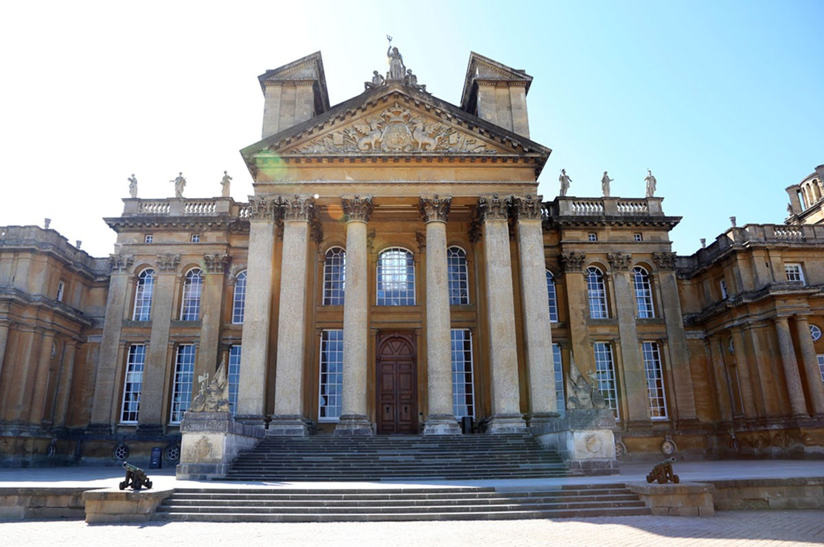Newly-Restored-North-Steps-of-Blenheim-Palace2-952d8ca