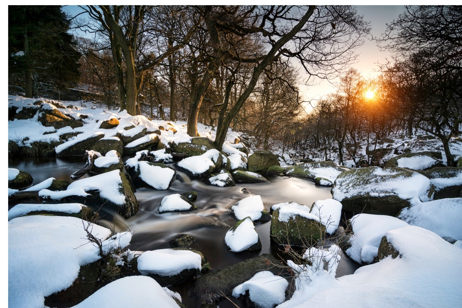Padley-Gorge-in-snow-daf3956