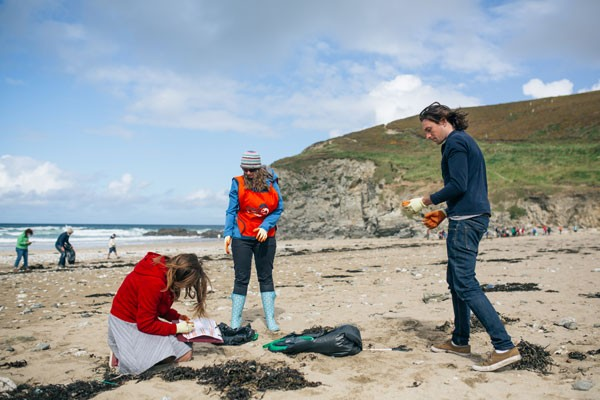 Porthtowan_Beach_Clean_-_21_Sep_2015_-_HI-RES-52-59fd62d
