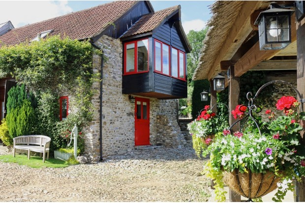 Red20Doors20Farm20Courtyard20Cottage-a9d520c