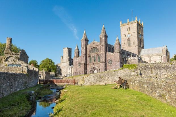 St-Davids-Cathedral-Pembrokeshire-28229-2fe4cc2