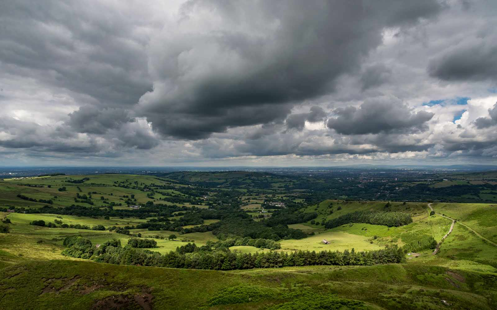 Storm-clouds-UK-countryside-500b8b1