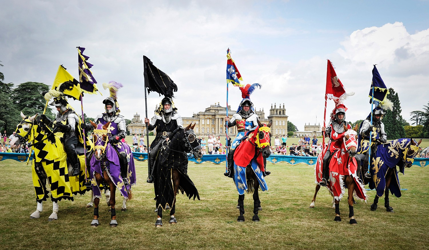 Summer-Jousting-at-Blenheim-Palace-Knights-Line-Up-2017-8b7aabf