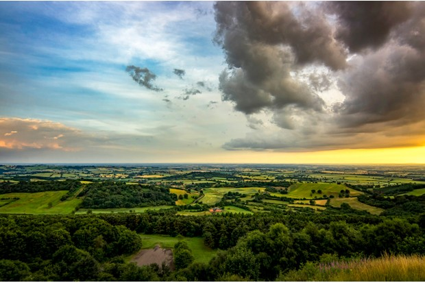 The view from Sutton Bank across the Vale of York and the Vale of Mowbray
