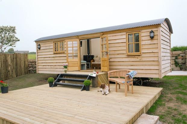 The-Shepherd27s-Hut-Cornwall2C-2-8ce2e23