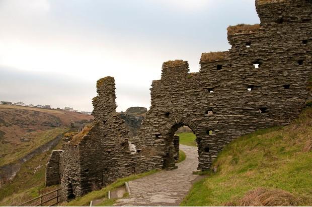 Tintagel-Castle-Shutterstock-1ce3720