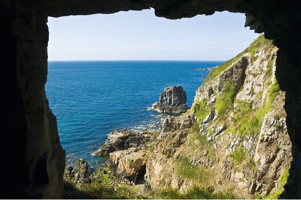 Window-in-the-Rock-2d1b179