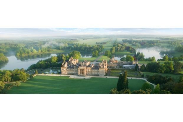blenheim-palace-aerial-june.6df3f4fc-a3f05af