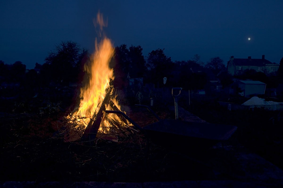 bonfireGettyImages-130792162-df0733c