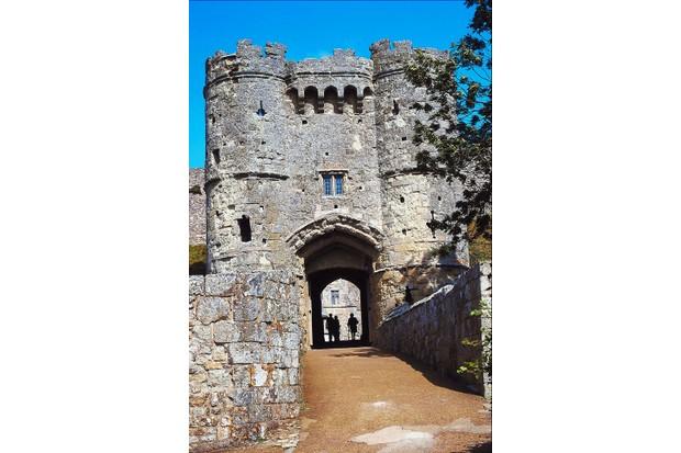 carisbrooke-castle-2f9c5b8