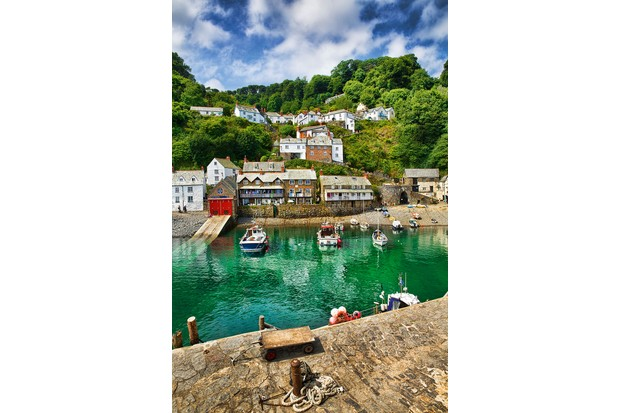 clovelly-harbour-b0d7855