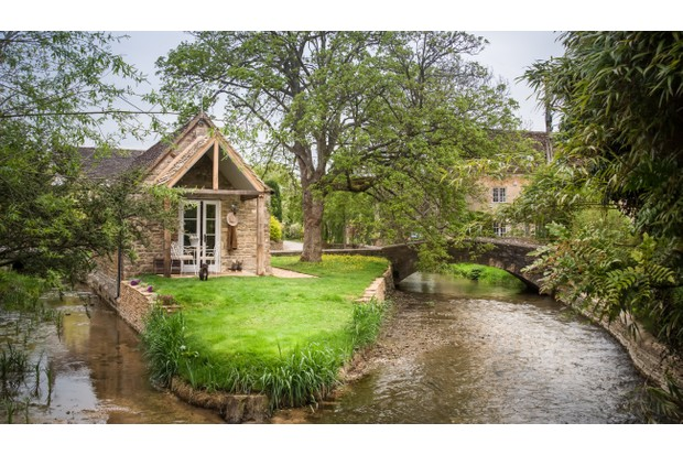 cotswolds-romantic-island-cottage-for-couples-cirencester-cd8736b