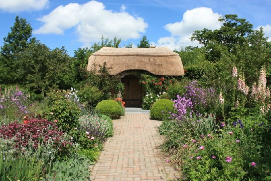 cottage_garden_rs_large-2c49fbe