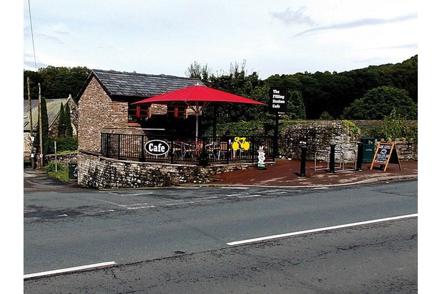 filling-station-tintern-2245982