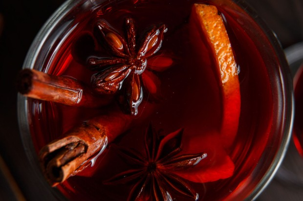 Traditional mulled wine recipe