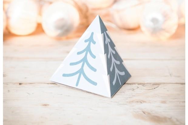 pyramidcard-f6a8abc