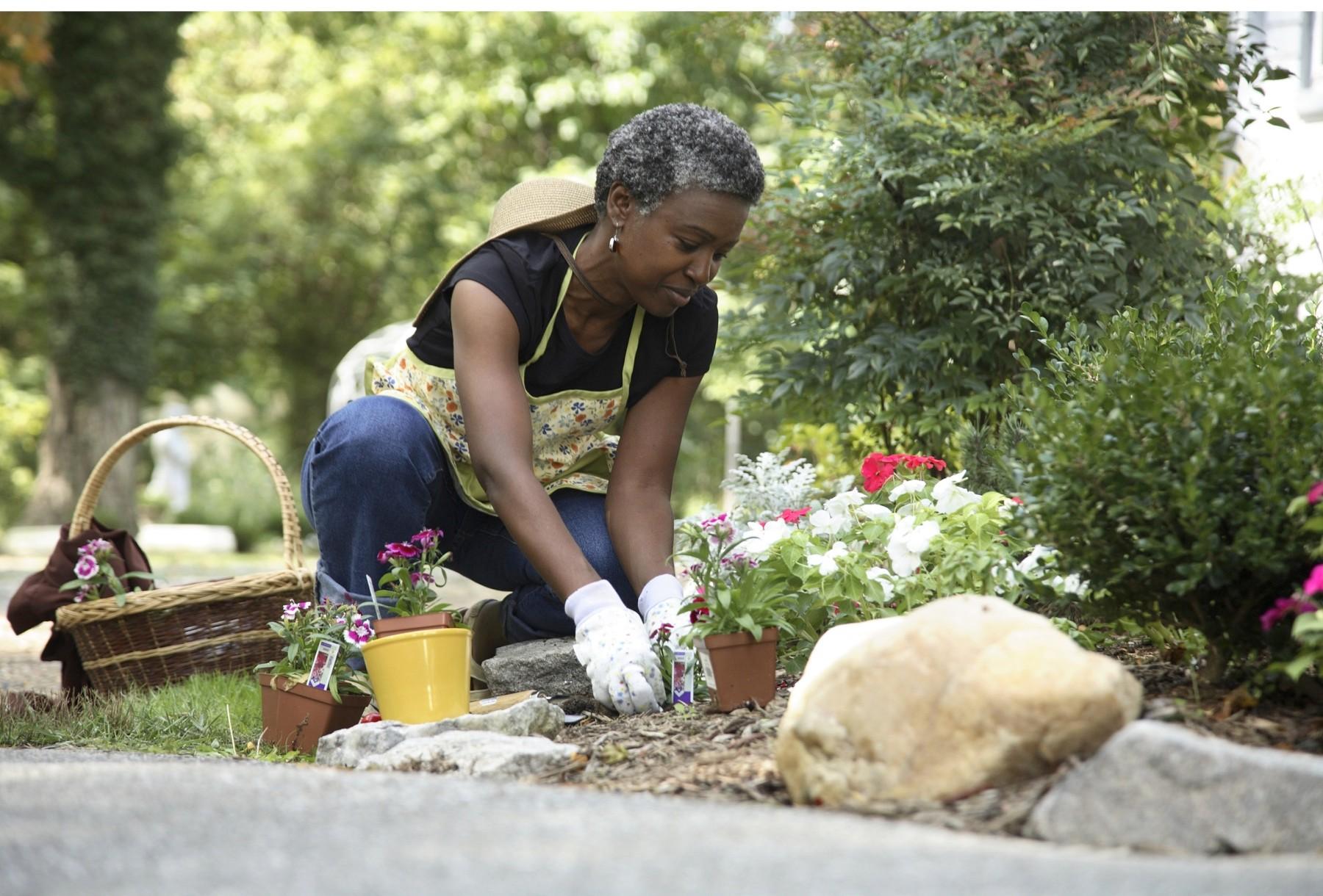 woman-gardening-f8daa2c